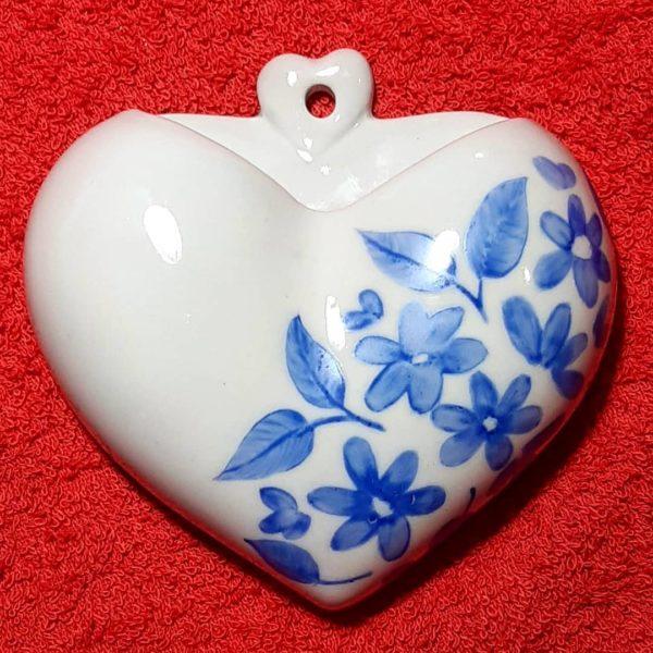 soraya pamplona porcelanas pintadas vaso de parede coração – rosas