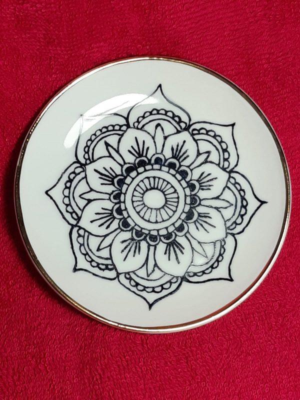 soraya-pamplona-porcelanas-pintadas-joia-do-dia-incensario-incenso-mandala-01