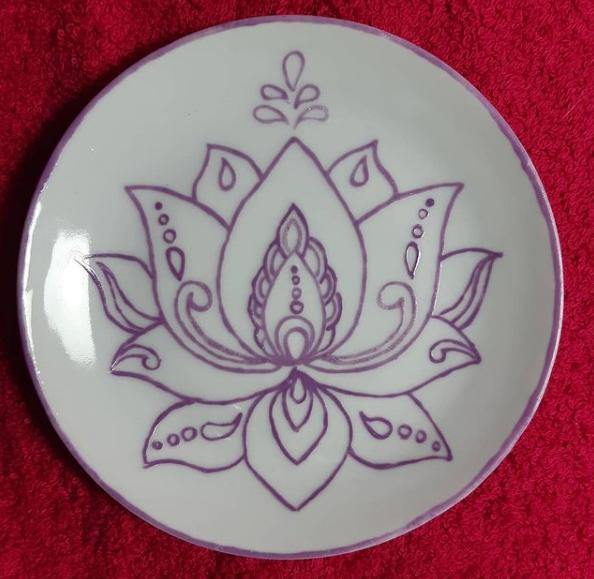 soraya-pamplona-porcelanas-pintadas-incensario-flor-de-lotus-budismo-nam-myoho-renge-kyo-2