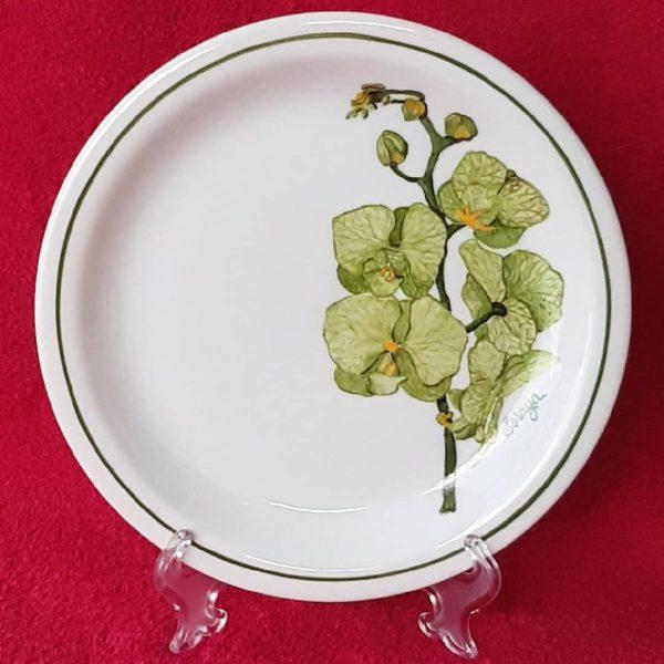 soraya-pamplona-porcelanas-pintadas-prato-de-sobremesa-orquidea-verde